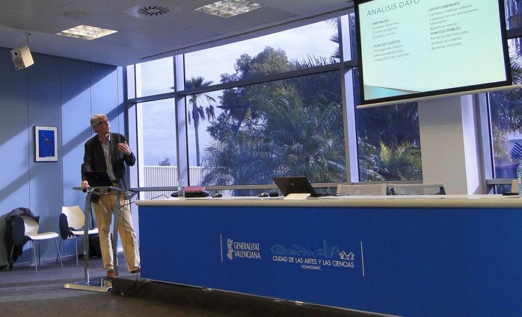 El economista Pedro Miret, durante su intervención.