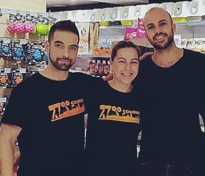 El equipo de Zoo Condal en Gran Vía, con Manu, Belén y Víctor (propietario).