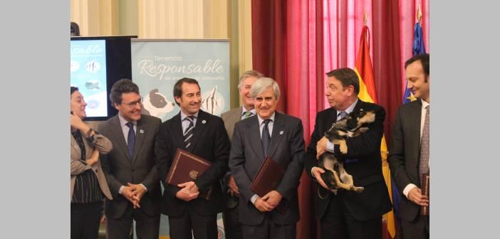 ANFAAC firma el protocolo de actuaciones del MAPA para la tenencia responsable